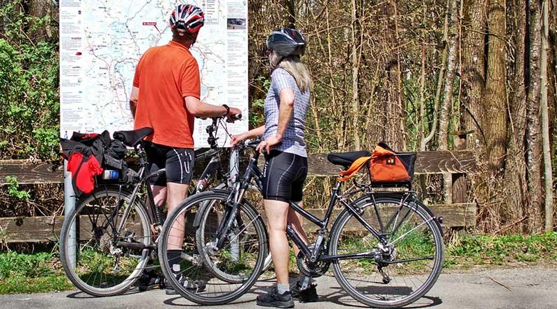 Radfahren auf dem Ahr Radweg im Ahrtal