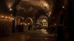 Weingut, Weinbau und Weinkeller der Weingüter im Ahrtal